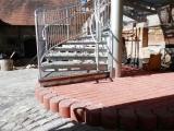Únikové ocelové schodiště - nástup